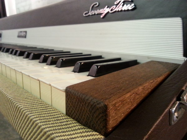 Rhodes Tweed Two Tone Cheek Block Best