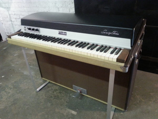 Rhodes Tweed Two Tone Front Angle WO Case