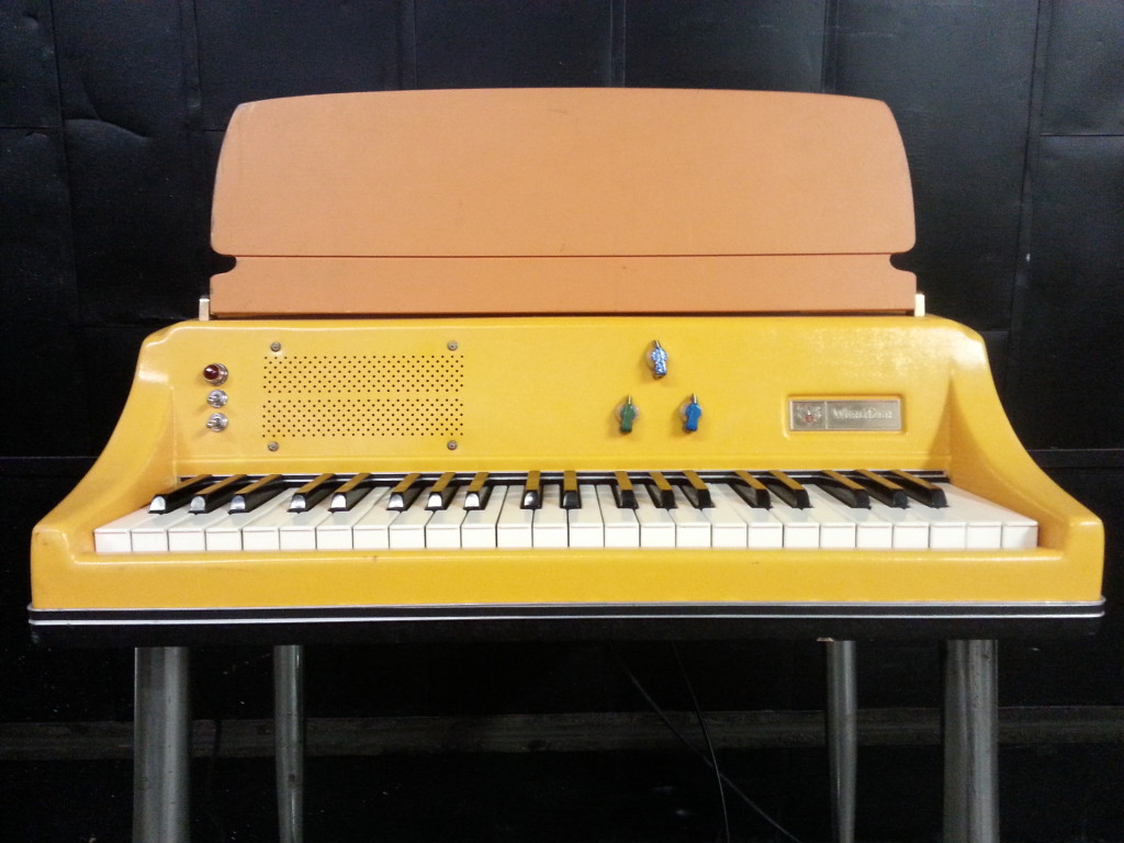 Wurlitzer 106 Front Orange