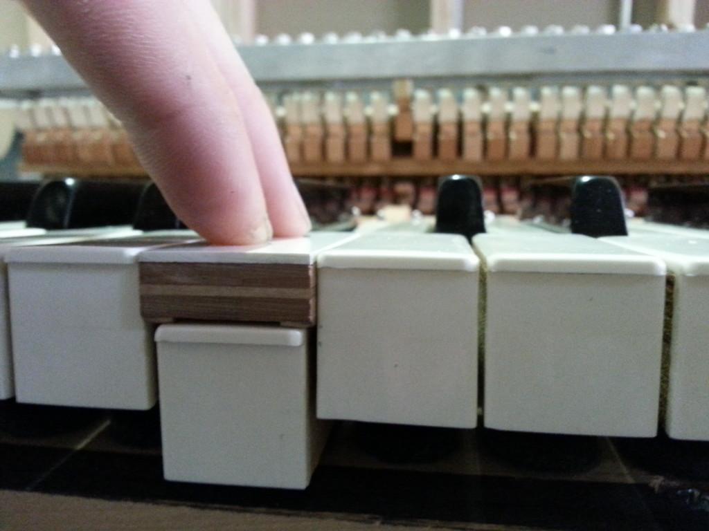 Wurlitzer White Key Dip 106