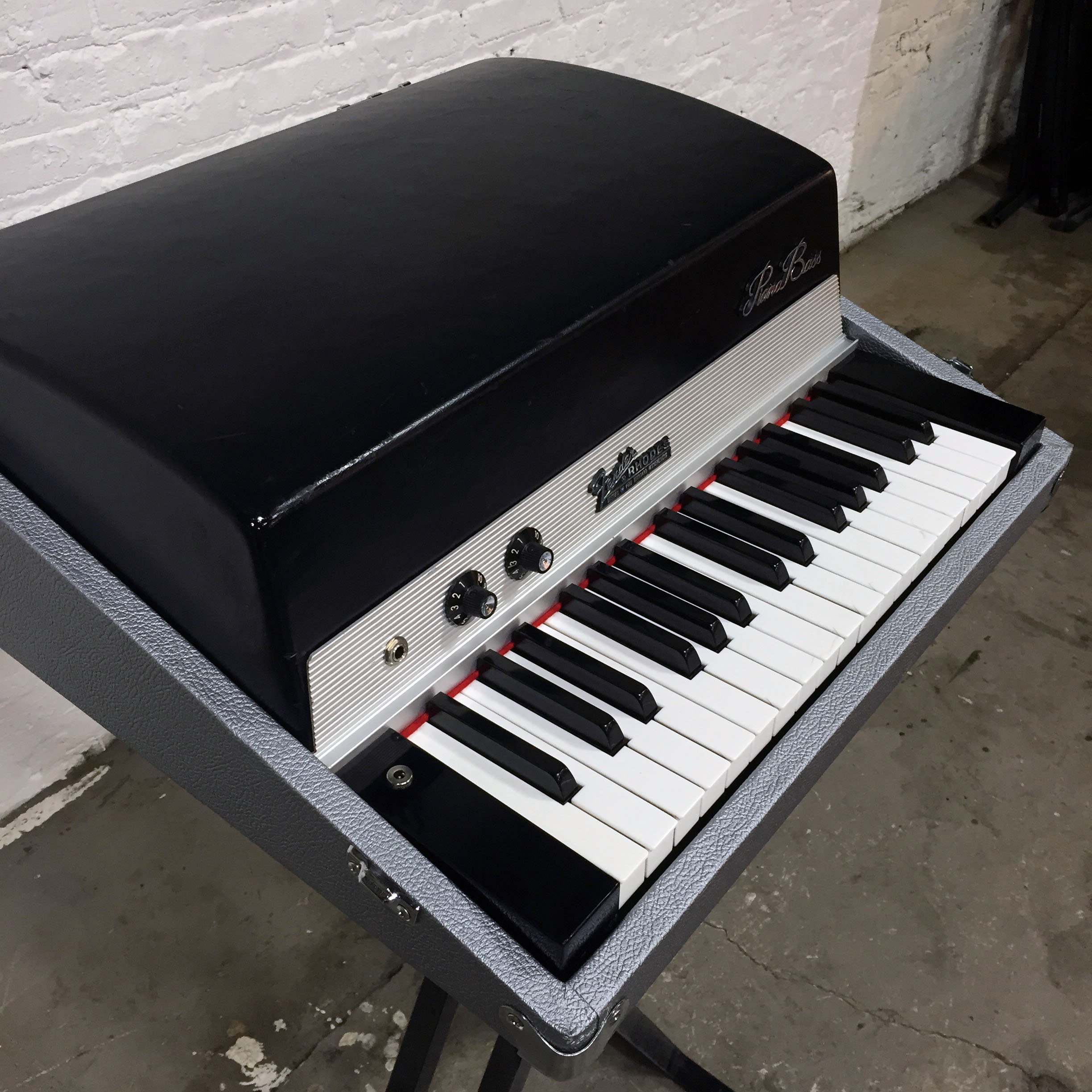 the chicago electric piano co the electric piano experts fender rhodes hohner clavinet. Black Bedroom Furniture Sets. Home Design Ideas