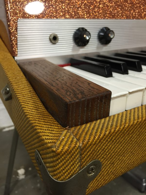 Oak Wood Cheek Blocks with Knobs on Fender Rhodes