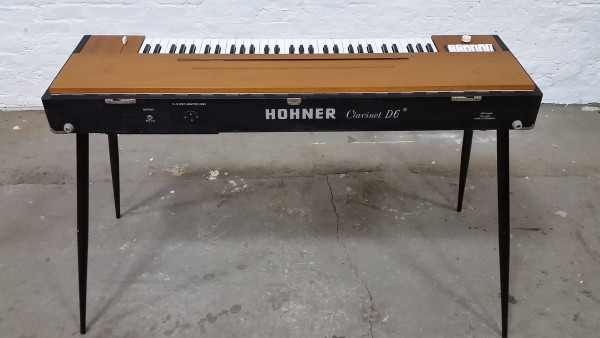Clavinet D6 Back Logo and Wood Top