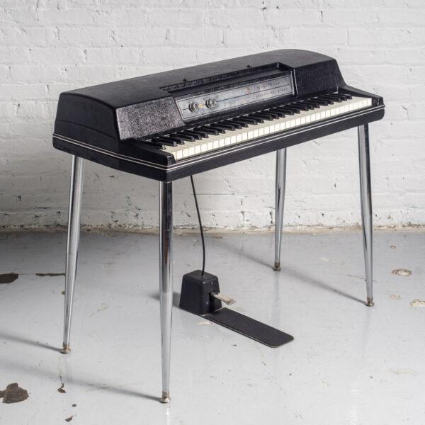 Wurlitzer 200 Electric Piano (1974) - The Chicago Electric Piano Co.