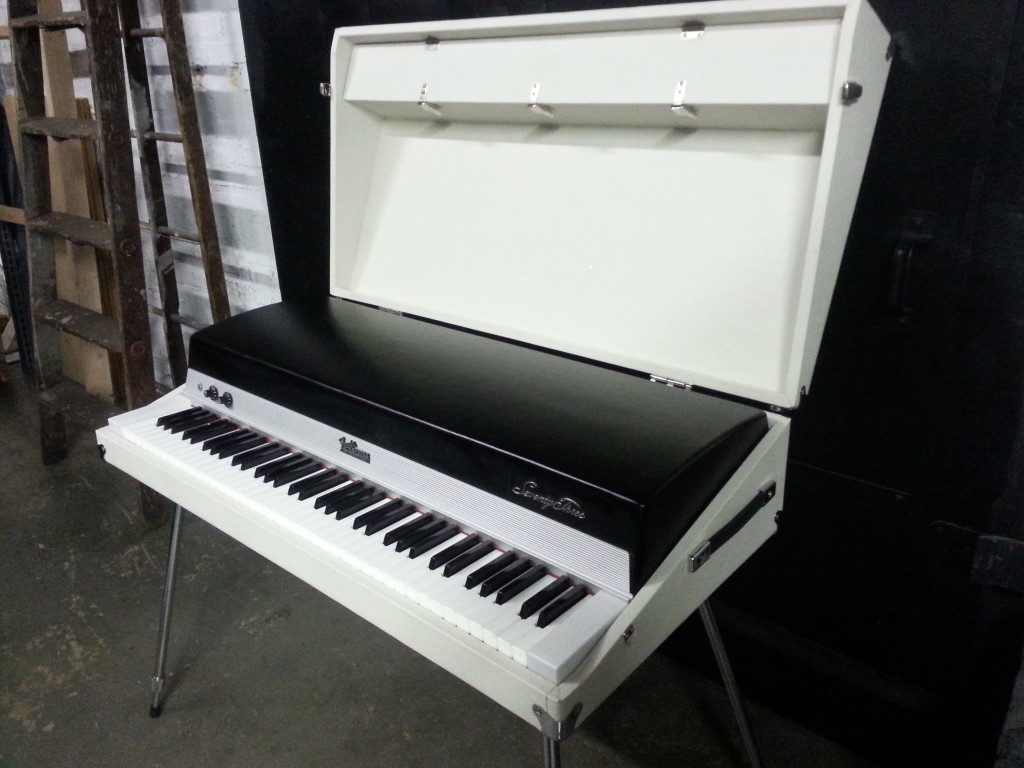 Lunar Rhodes with Lid
