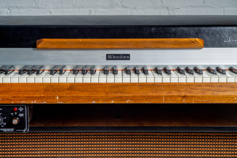 1972 Rhodes 7055 Student-4