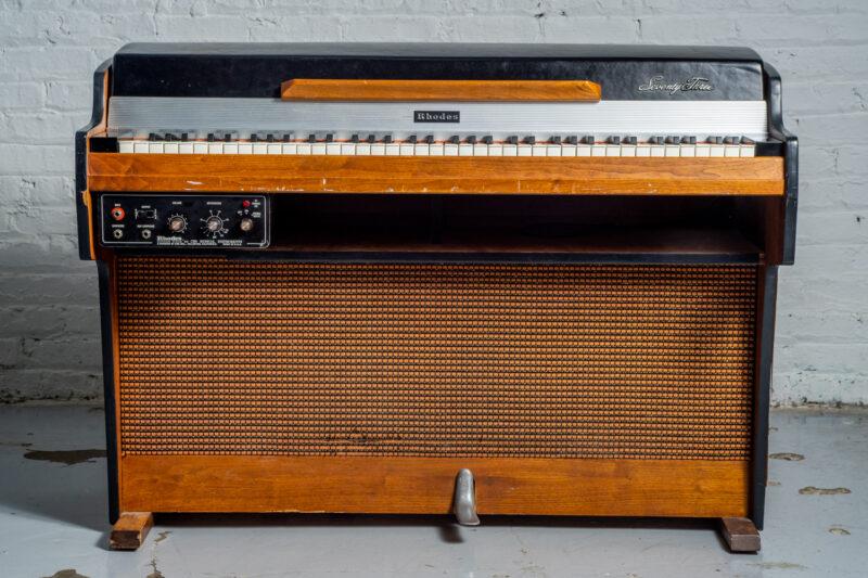1972 Rhodes 7055 Student-5