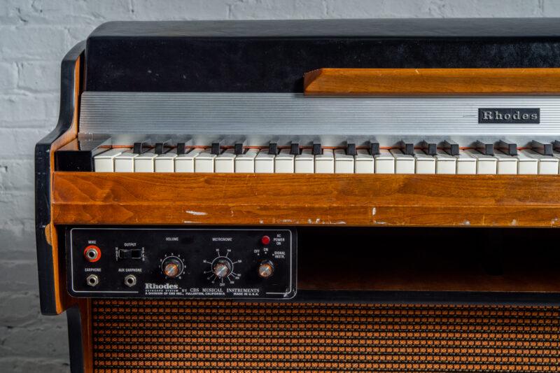 1972 Rhodes 7055 Student-6